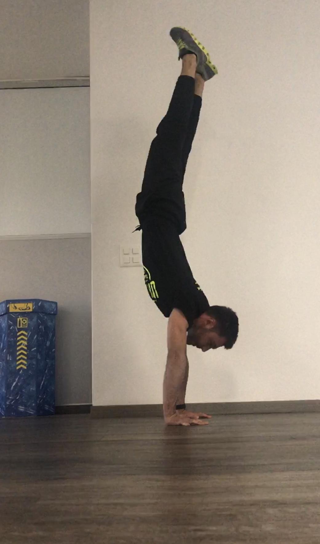 Handstand errore testa 1